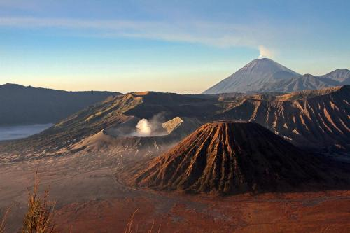 Daybreak_at_Mount_Bromo